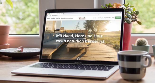 Website Mockup: Laptop auf Schreibtisch | Startseite |EPK Holz